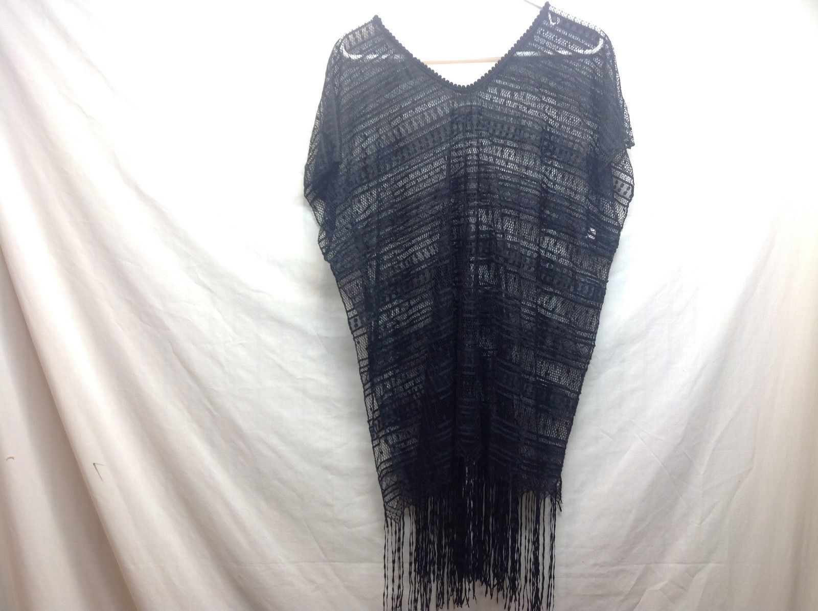 Ladies Black Patterned Mesh Shawl w Fringe