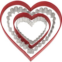 Nesting Heart Cookie Cutters 4 pc Set Wilton 2 Shapes 4 Sizes - $4.99