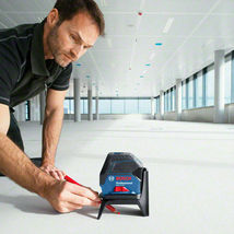 Bosch GCL 2-15 Professional Digital Cross Line Laser Level Compact Self Leveling image 4