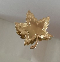 VINTAGE MONET GOLD LEAF PIN BROOCH - $9.89