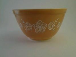 Pyrex small Butterscotch w/ white flower & butterflies nesting mixing bo... - $5.20
