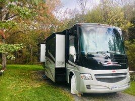 2012 Winnebago Sightseer 33C For Sale In Fishersville, VA 22939 image 1