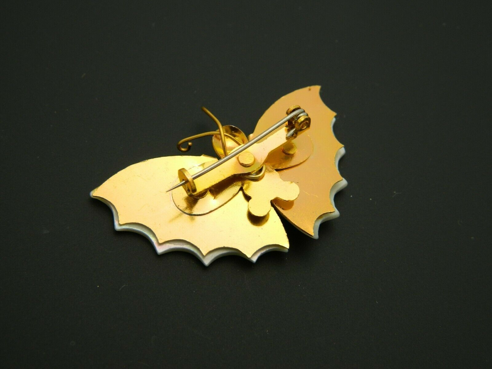 Mother of Pearl Gold Tone Butterfly Pin Brooch Vintage image 4
