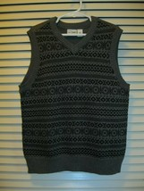 The Childrens Place Boys Sweater Vest Size Small 5/6 Black Gray Striped Design - $12.99