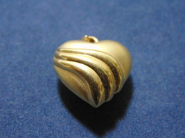 Vintage Estate 14K Yellow Gold Heart Pendant 1.4g E2134 - $70.00