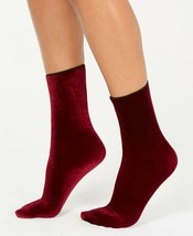 Hue Womens One Size Velvet Crew Socks Currant - NWT - $0.95