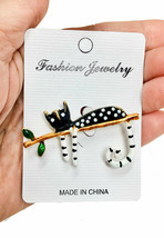 "2"" Wide Black & White Enameled Polkadot Cat Brooch Pin Gold Tone, ""C"" Clasp - $11.40"
