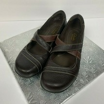 Clarks Bendables Size 9M Two Toned Brown Mary Jane Flats Casual Everyday - $25.20