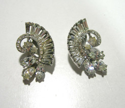 UNSIGNED PENNINO CLIP ON CLEAR RHINESTONE & SILVER TONE CLIP ON EARRINGS - $25.00