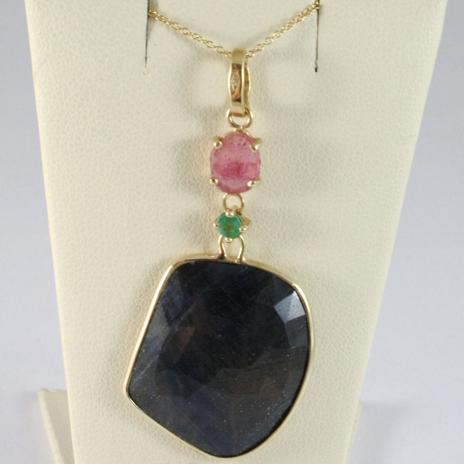 9K YELLOW GOLD NECKLACE AND PENDANT, ROUND BLUE AND OVAL PINK SAPPHIRE, PERIDOT