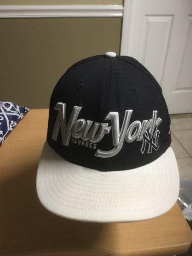 buy online 9c626 cc849 New York Yankees Bella Cap New Era and 50 similar items