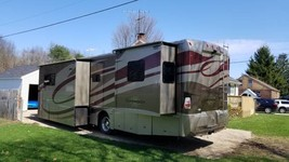 2006 Winnebago Itasca Suncruser FOR SALE IN Plainwell, MI 49080 image 2
