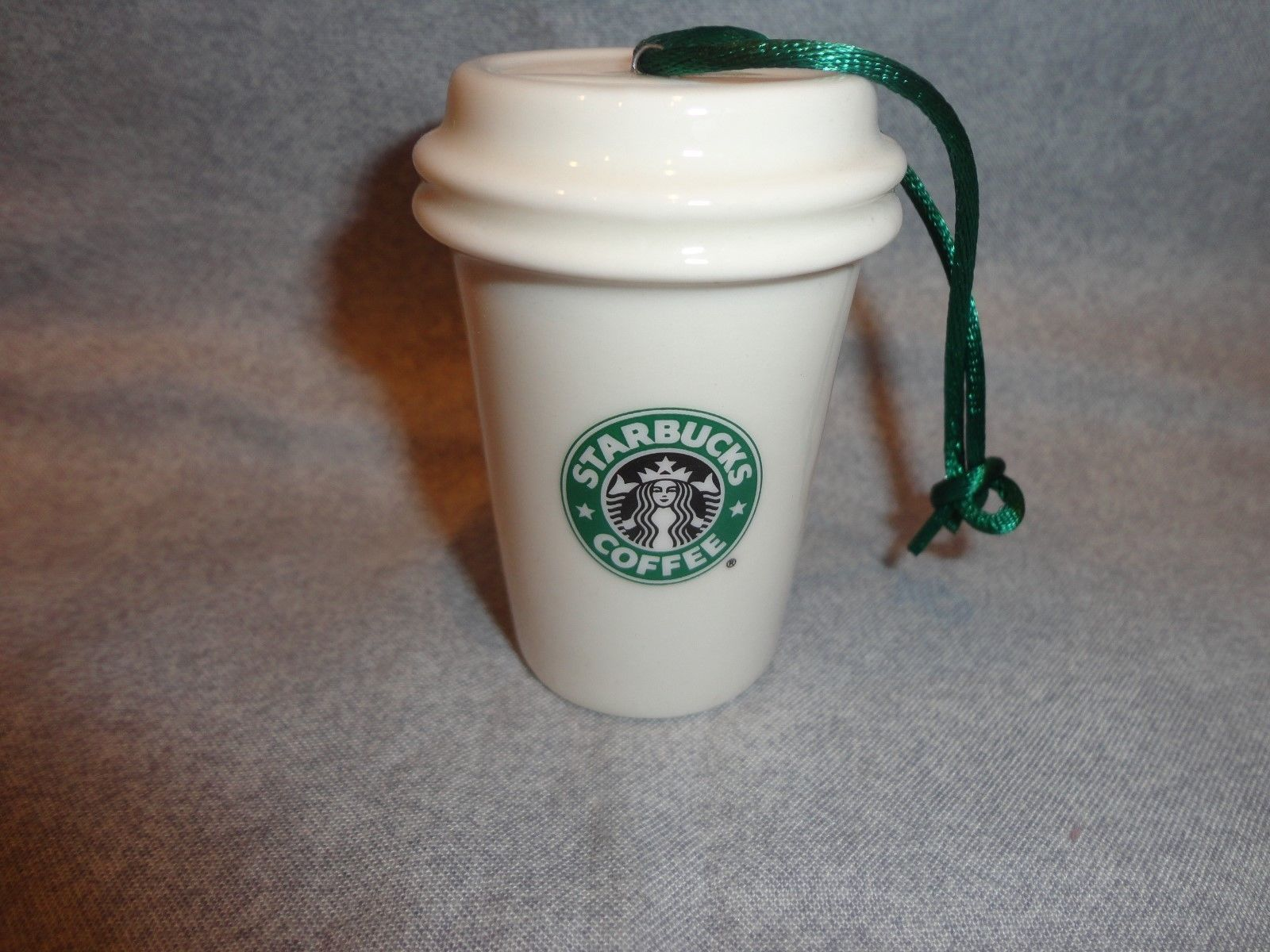 STARBUCKS 2011 GREEN AND WHITE TO GO CUP ORNAMENT CERAMIC 2 LOGO NO PACKAGING