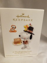2012 Hallmark Ornament A THANKSGIVING FEAST The PEANUTS Gang Snoopy & Wo... - $18.76