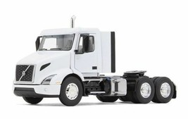 Volvo Vnr 300 Day Cab White 1/50 Diecast Model Car By First Gear 50-3366 - $52.08
