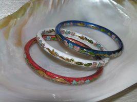 Estate Lot of 3 Red White & Blue Enamel Asian Cloisonne Floral Bangle Bracelet – image 3