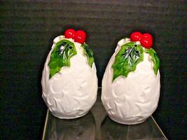 Lefton Holly Berry White Salt Pepper Shakers Christmas Vintage Orig Labels - $15.84