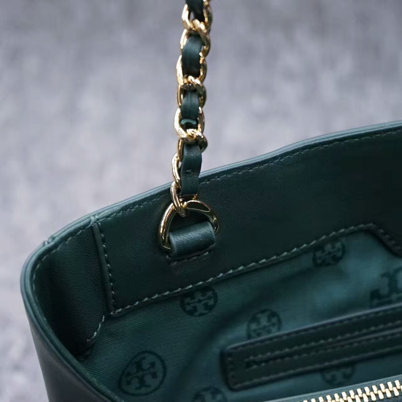 NWT Tory Burch Fleming Open Shoulder Bag