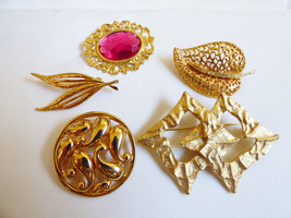 Lot of 5 Casual Corner & Unbranded goldtone leaf fashion pin brooch - $27.72