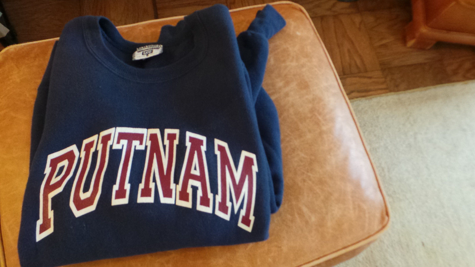 Putnam Sweatshirt in Navy Color w Bold Letters Size XL Made in USA by Lee VG+ image 6