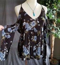 American Eagle size medium ruffle detail cold shoulder baby doll top EUC - $21.18