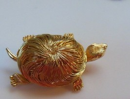 Shiny Gold Tone Wired Turtle Brooch - $9.89