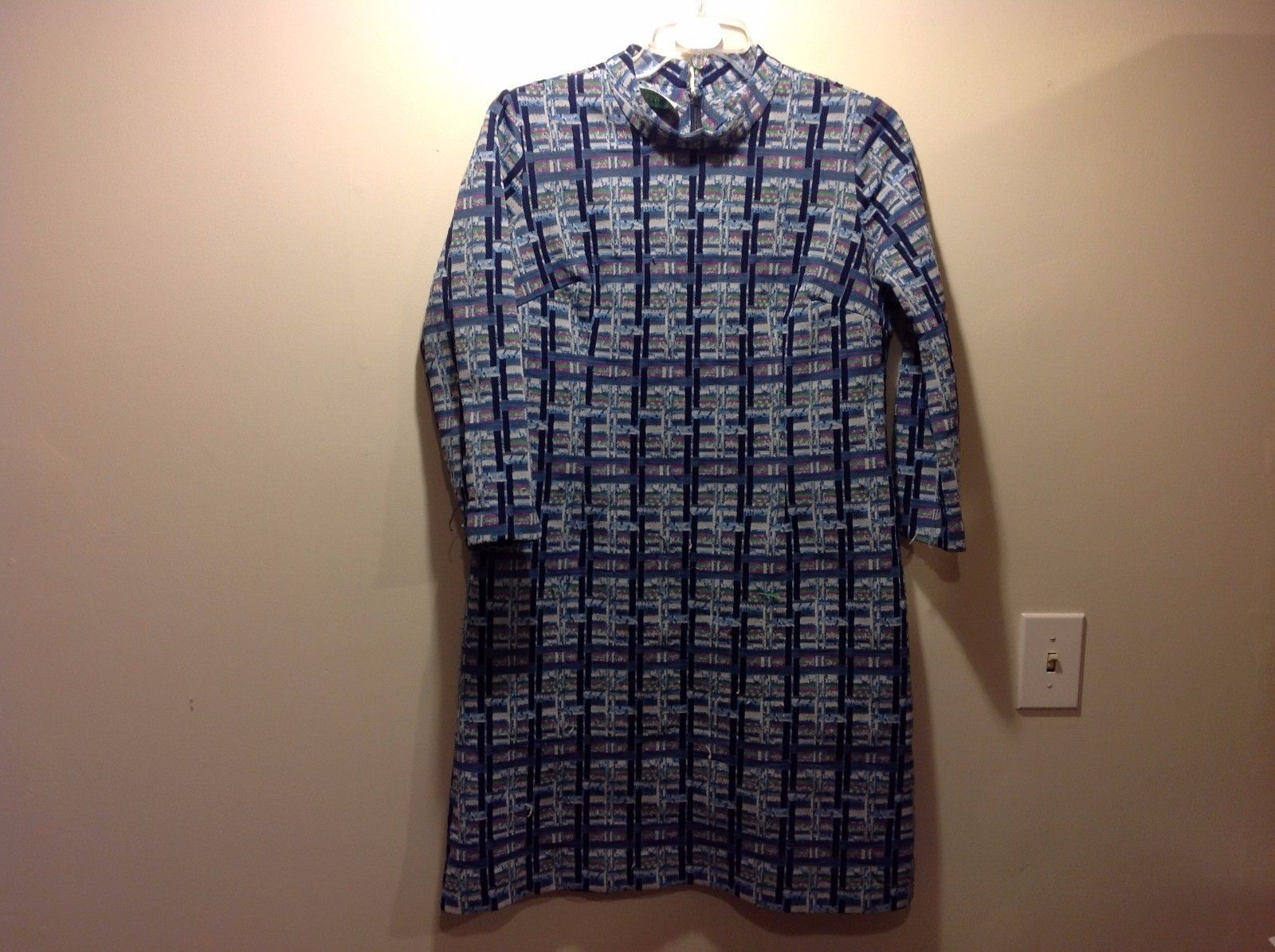 1960s Vintage Berkshire B Tween Adorable Blue Outsy Dress w Abstract Pattern