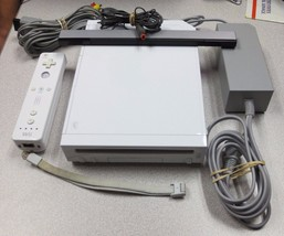 Nintendo Wii White Console Complete Ready to Play! - $49.45