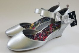George Girls Silver Wedge Sandal Dress Shoe Glitter Bow Accent Sz 3 or 4 NWT - $14.99