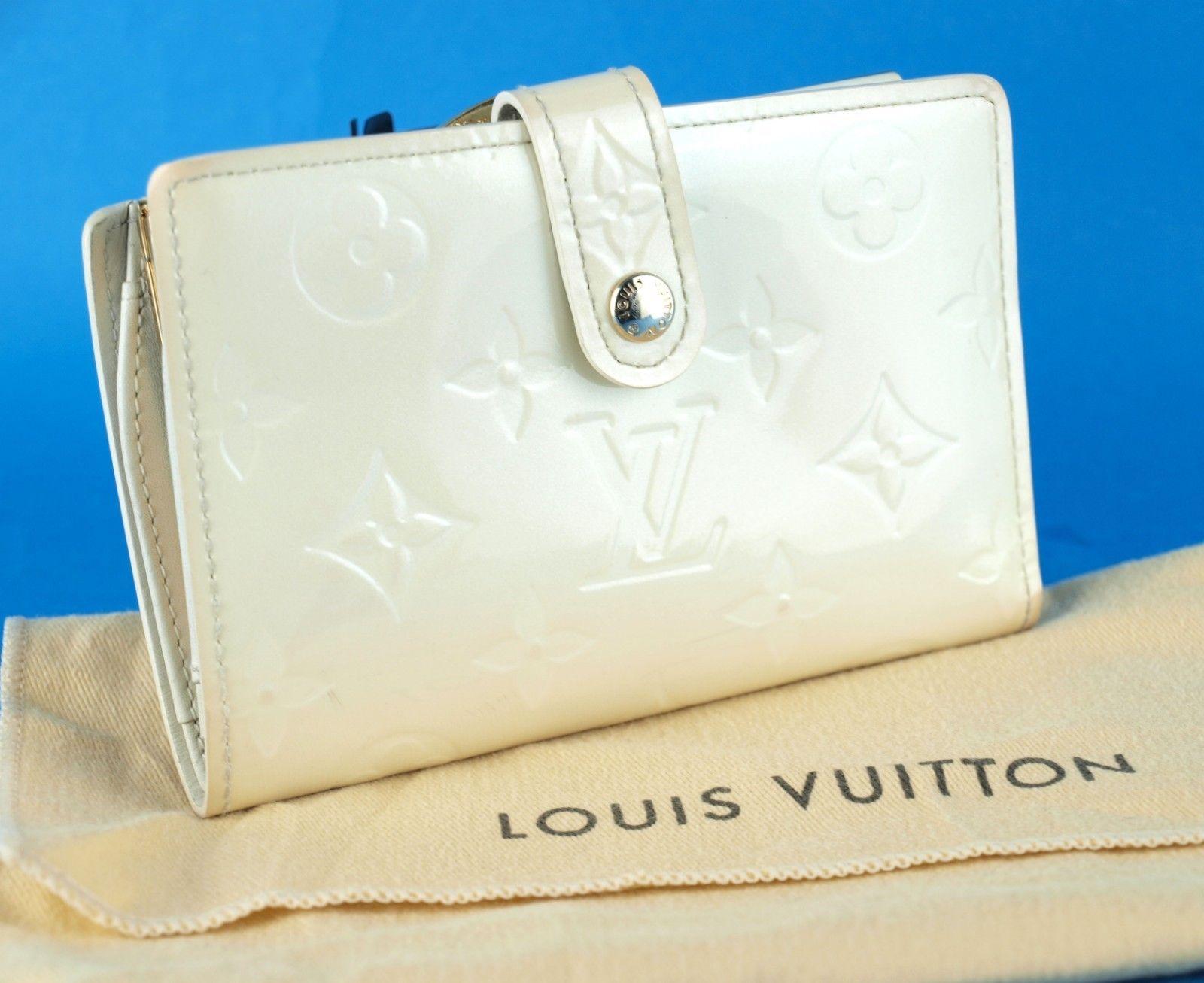 8988c67cfa S l1600. S l1600. Previous. Auth Louis Vuitton Monogram Pearl Vernis Porte  Monnaie Billets Viennois Wallet