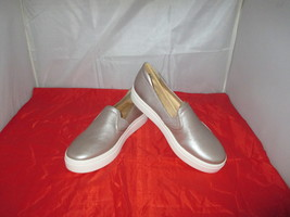 Naturalizer Carly 3 Slip-On Sneakers $79 Silver - US Size 8 1/2 W - $54.34 CAD