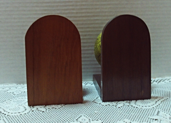 Vintage Mis Matched Wood Globe Bookends // Old World Turning Globes