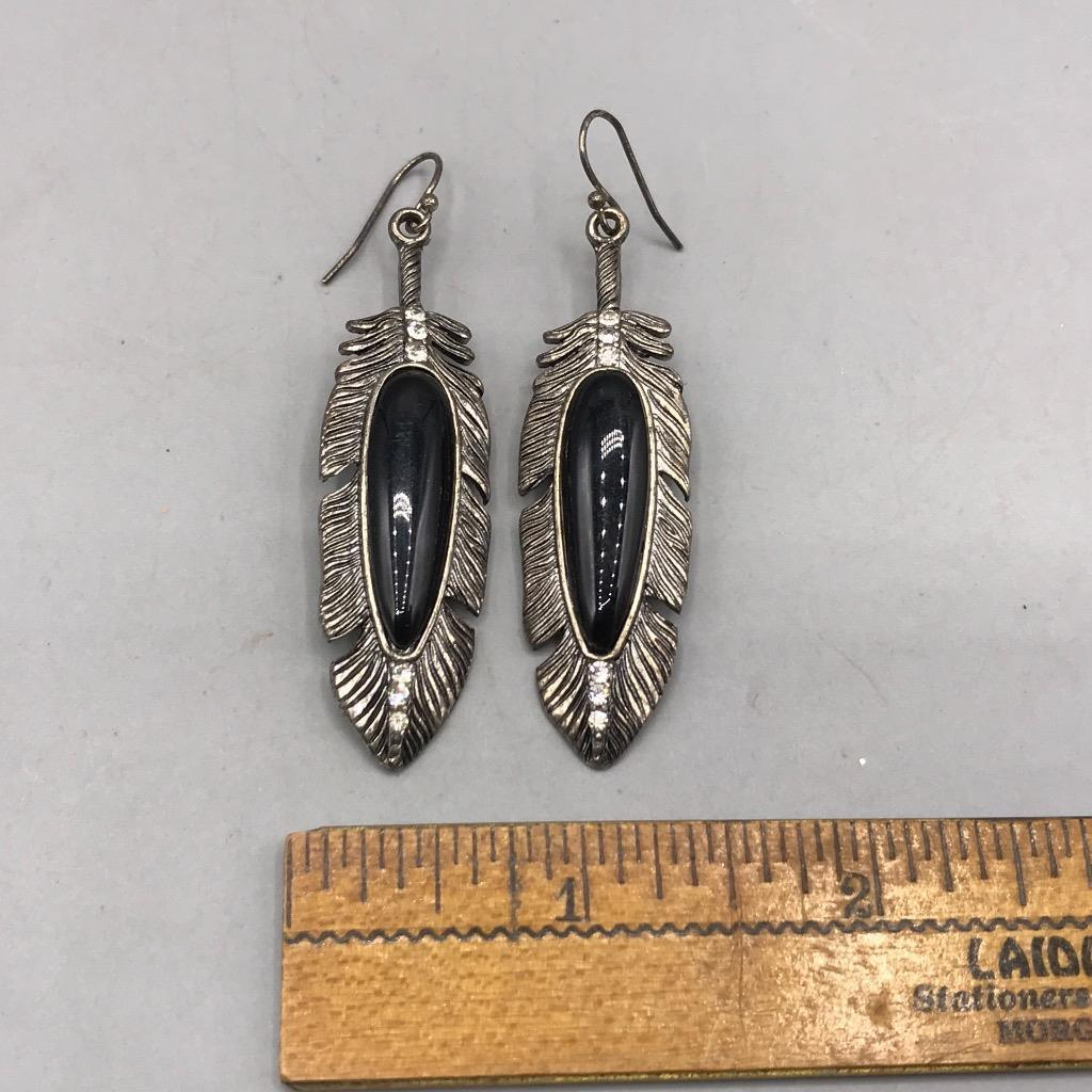 Vintage Black Feather Dangle Pierced Earrings