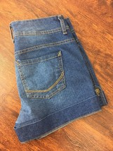 NINE WEST Classic Rise Med Wash Blue Jean Shorts Denim Shorts Women's Si... - $17.37