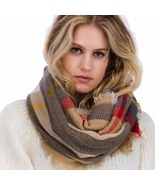 Brown Plaid Pattern Fringe Infinity Scarf  - $280,39 MXN