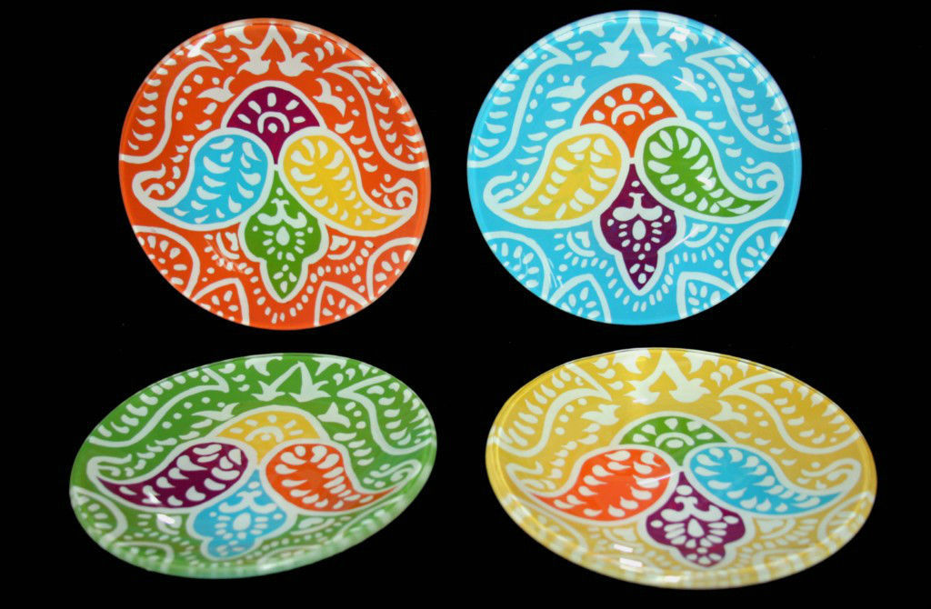 4 CASABLANCA Helen James Glass Paisley Snack Plates Different Colors NIB