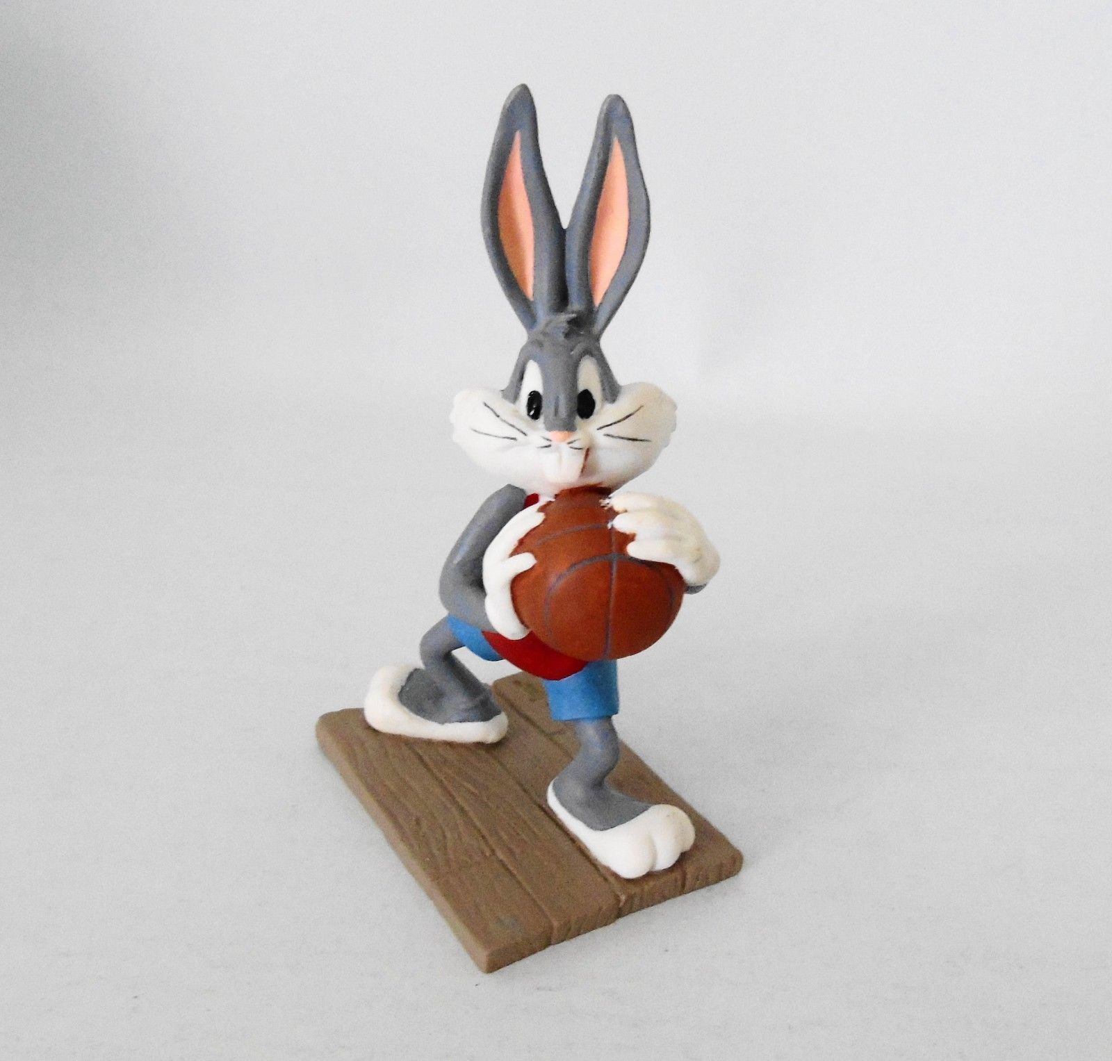 Primary image for Extremely Rare! Looney Tunes Bugs Bunny Playing Basketball Figurine Statue