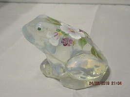 FENTON ART GLASS 2002 FRENCH OPALESCENT FROG FIGURINE~EXCL FOR. CRACKER ... - $59.99