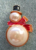 EISENBERG ICE CHRISTMAS SNOWMAN BROOCH PIN BEAUTIFUL PEARLS & BRIGHT ENAMEL - $22.99