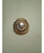VINTAGE CLIP EARRINGS GOLD SWIRLED ROPES SURROUND PEARL CENTER - $20.00
