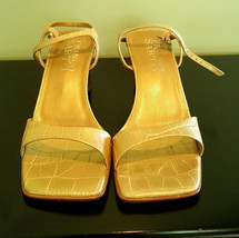 Pre Owned Women's Franco Sarto-Vero Cuoio Gold 7.5M Sandal - $11.88