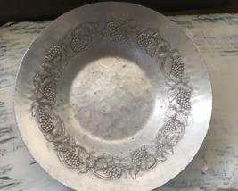Vintage Hand Forged Everlast Metal Bowl~Aluminum Grapes & Grapevine Pattern - $10.98