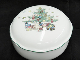 """Nikko Christmas Tree Covered Candy Dish Trinket Box 5"""" Porcelain Excellent - $14.84"""