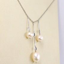 Collar Oro Blanco 18K, 3 Colgantes, Perlas Pesca, Redondo y Óvalos, Cadena Rolo image 2