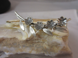 Magnificent Beau sterling silver flower brooch fabulous stylish brooch f... - $25.00