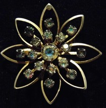 Vintage Brooch Flower Shape Carnival Glass Gems Costume Fashion Jewelry - $10.66