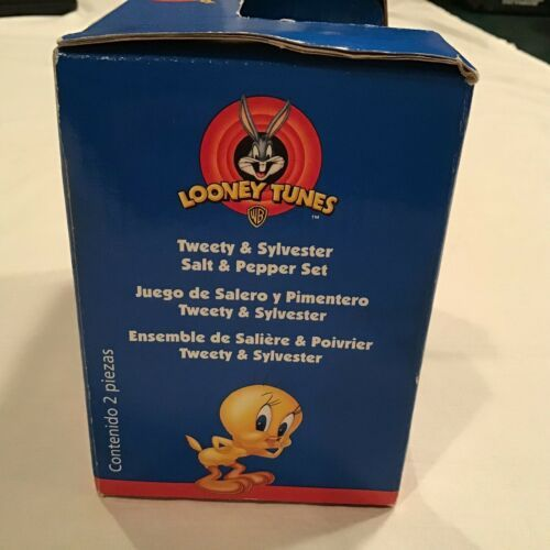 Tweety Bird and Sylvester Salt And Pepper Shakers Collectibles Looney Tunes 1998