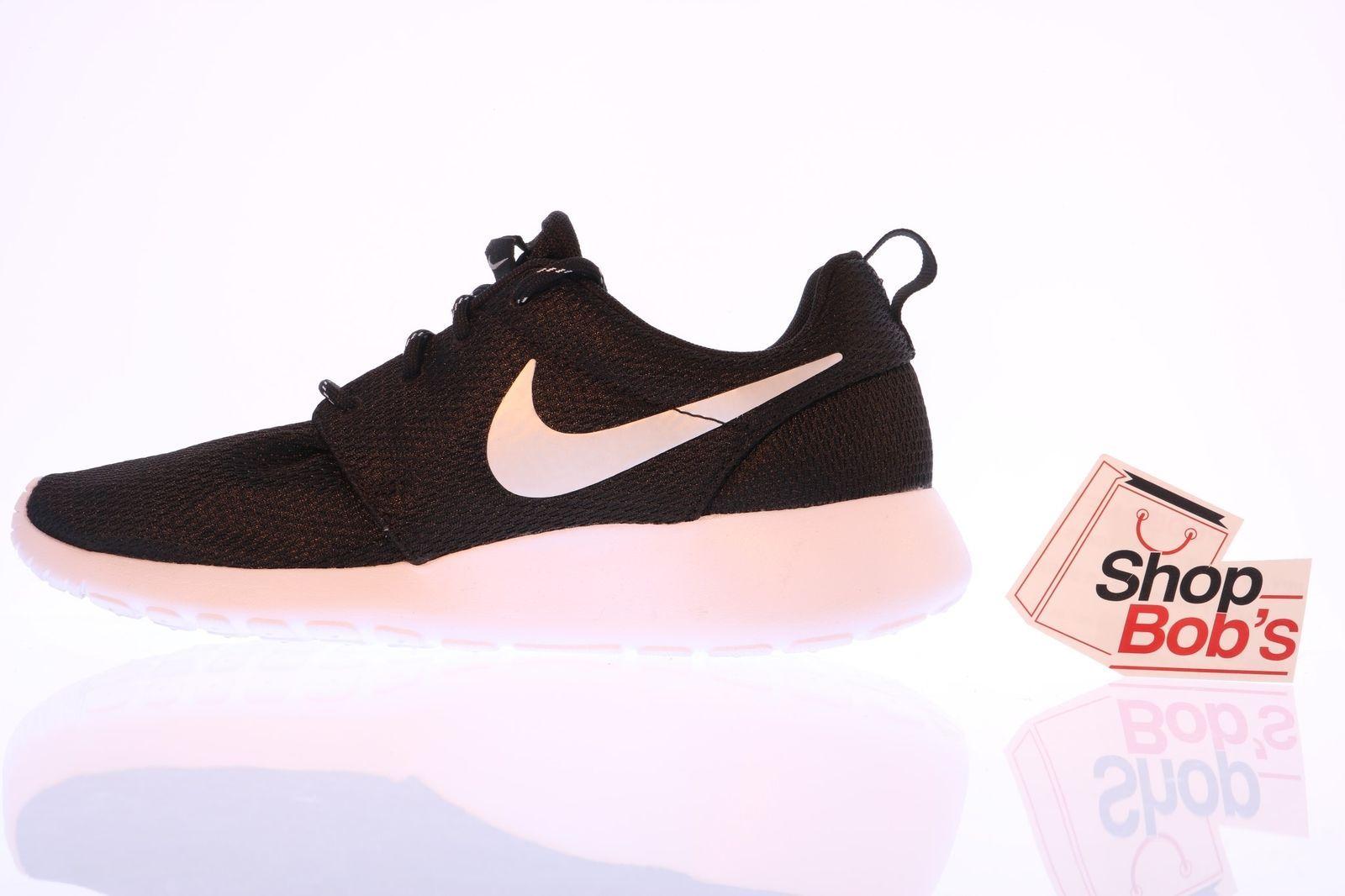 d2dba8ba1a0e ... NEW Nike Women s Roshe Run Black Silver Running Shoes Trainers 511882-094  Sz ...