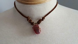 """15"""" HANDCRAFTED DYED PINK FUSHIA WIRE WRAPPED BOHO PENDANT NECKLACE, SUE... - $4.94"""