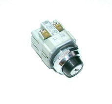 Idec  BST-001  BST-010  2-Position Maintained Key Switch NO KEY 1 N.O. 1... - $39.99